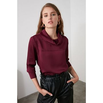 Trendyol Discreupt Collar Detailed Blouse