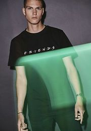 Mr. Tee Friends Logo Tee black